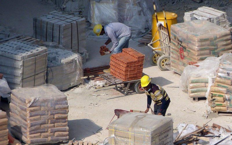Så här Skär du Cementplattor Steg-för-steg