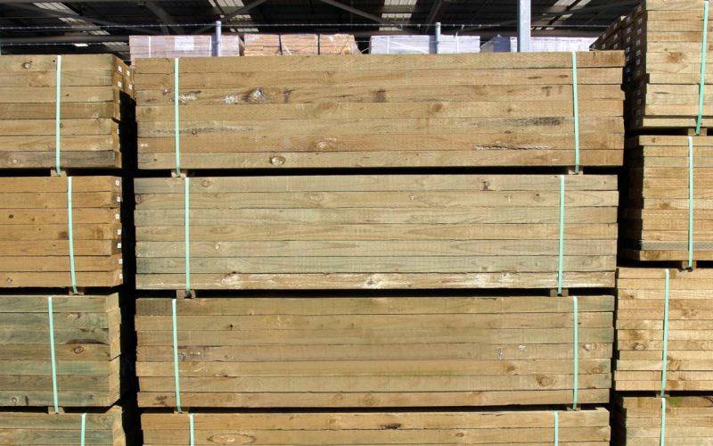 Måla på Impregnerat Trä – Så gör du Steg-för-Steg