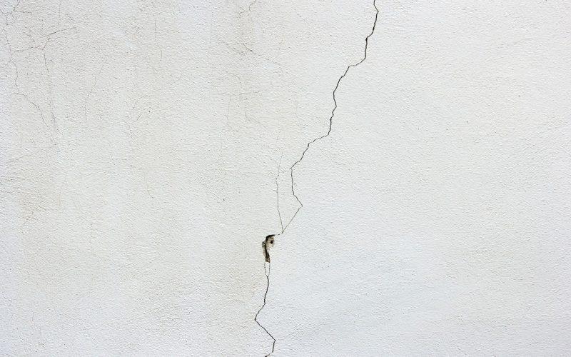 Reparera Sprickor i vägg eller Tak – Så gör du Steg för Steg